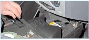 Как снять и заменить подушку безопасности с руля Рено Логан – Taxi Bolt
