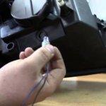 Как поменять лампочки габаритных огней на Рено Логан за 5 минут