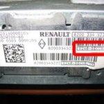 Как узнать и ввести код для штатной магнитолы Renault