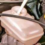 Рено Логан замена тормозной жидкости