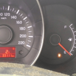 Загорелся сигнал низкого уровня топлива. Сколько можно проехать?— журнал Зарулем
