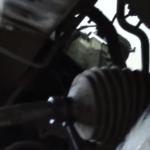 Замена наконечников рулевой тяги на Рено Логан: инструкция