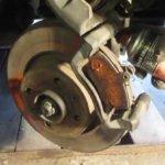 Рено Логан замена передних тормозных колодок: пошаговая инструкция